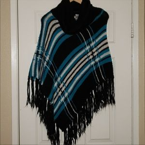 🙈 4 for $40💥💥 Blue poncho with fringe